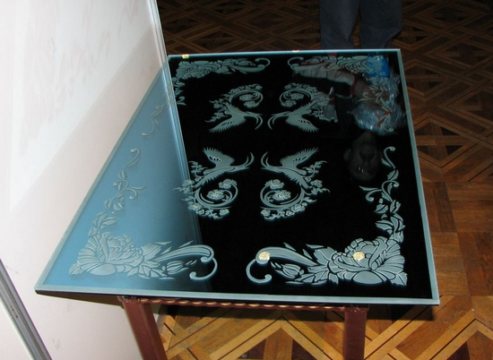 foto-steklyannih-stolov-13