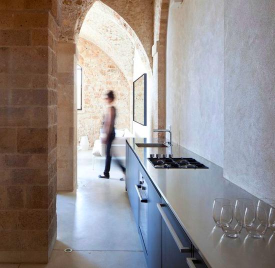 Кухня в коридоре фото-9