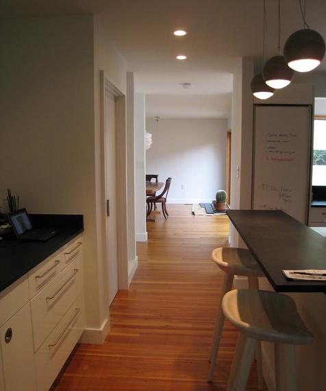 Кухня в коридоре фото-13