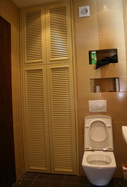 shkaf-v-tualet-foto