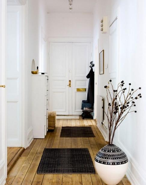 dizayn-malenkogo-koridora-foto-11