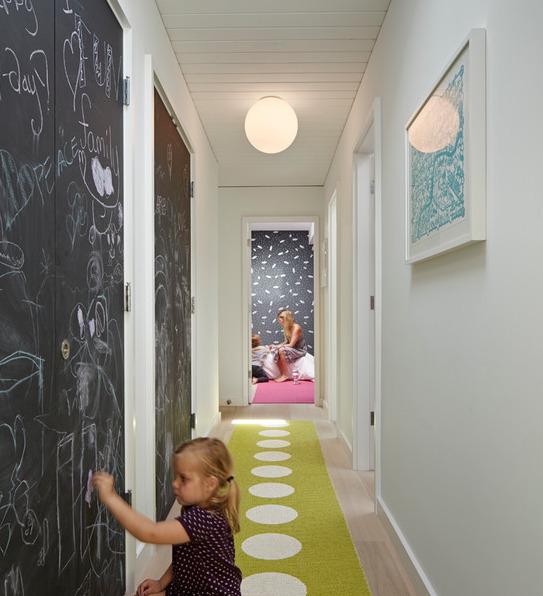 dizayn-malenkogo-koridora-foto-20
