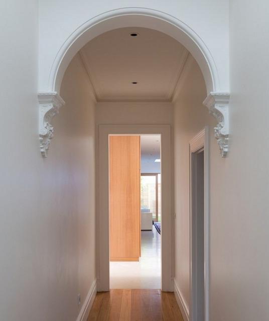 dizayn-malenkogo-koridora-foto-9