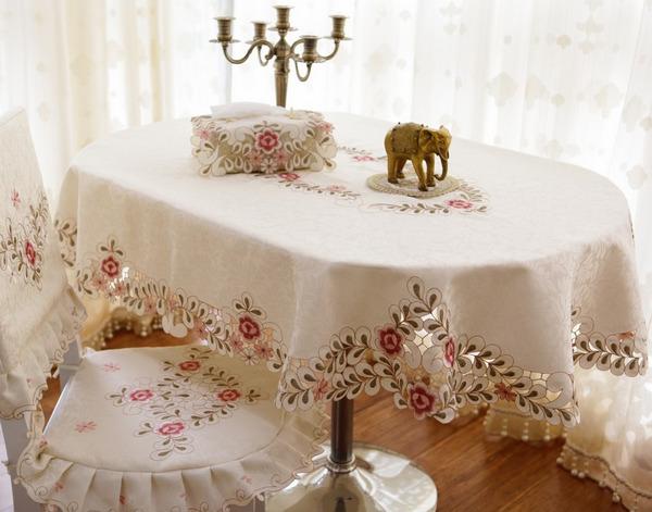 skatert-ovalnaya-na-kuhonniy-stol