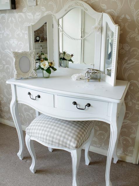 tualetniy-stolik-foto-6