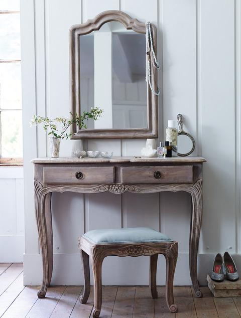 tualetniy-stolik-foto-9
